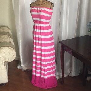Beautiful long dress. Like new condition. Size S